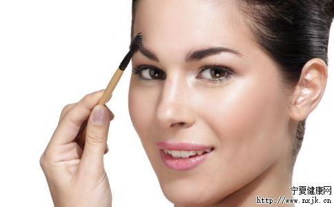 快速化妆方法 如何快速化妆